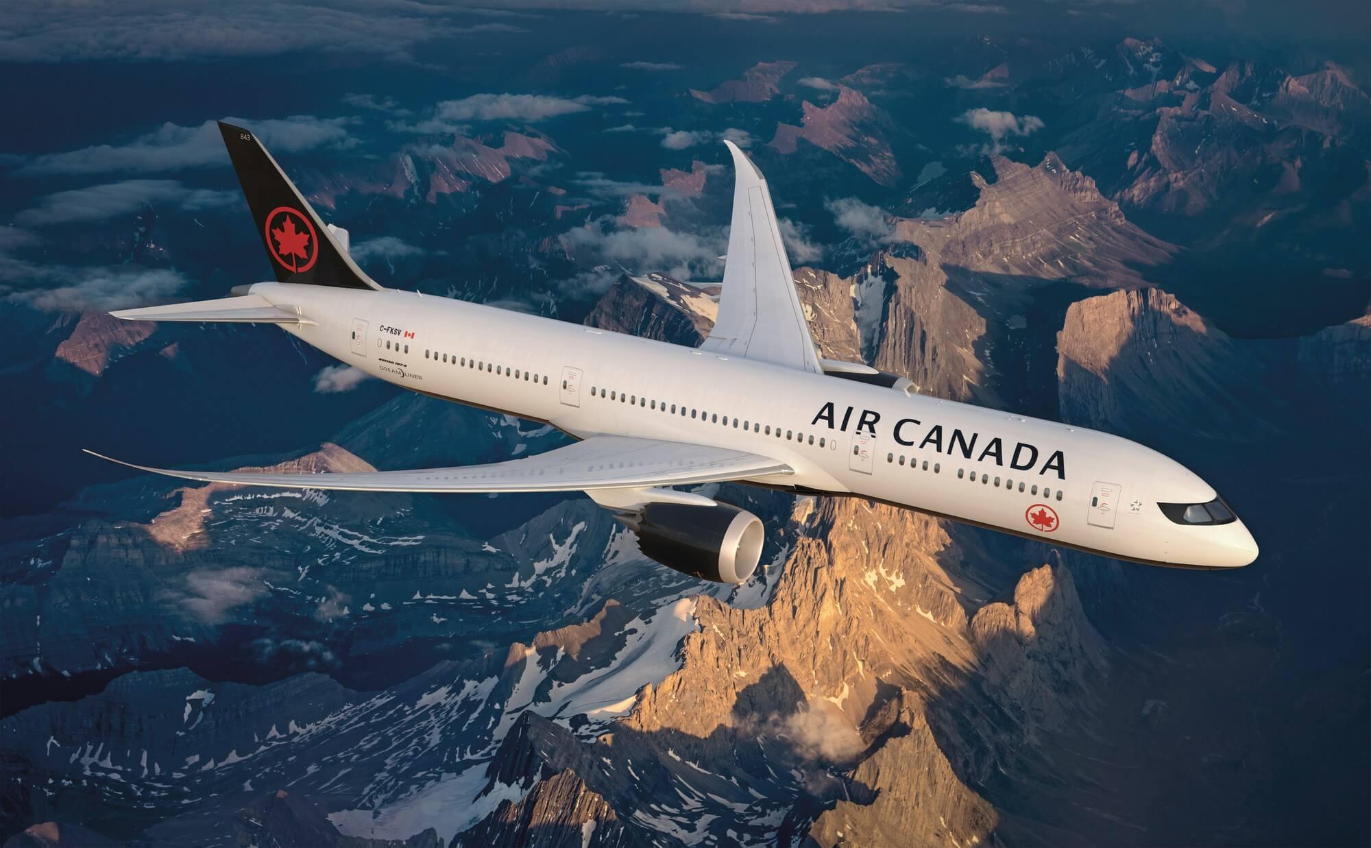 avion Air Canada dans les airs